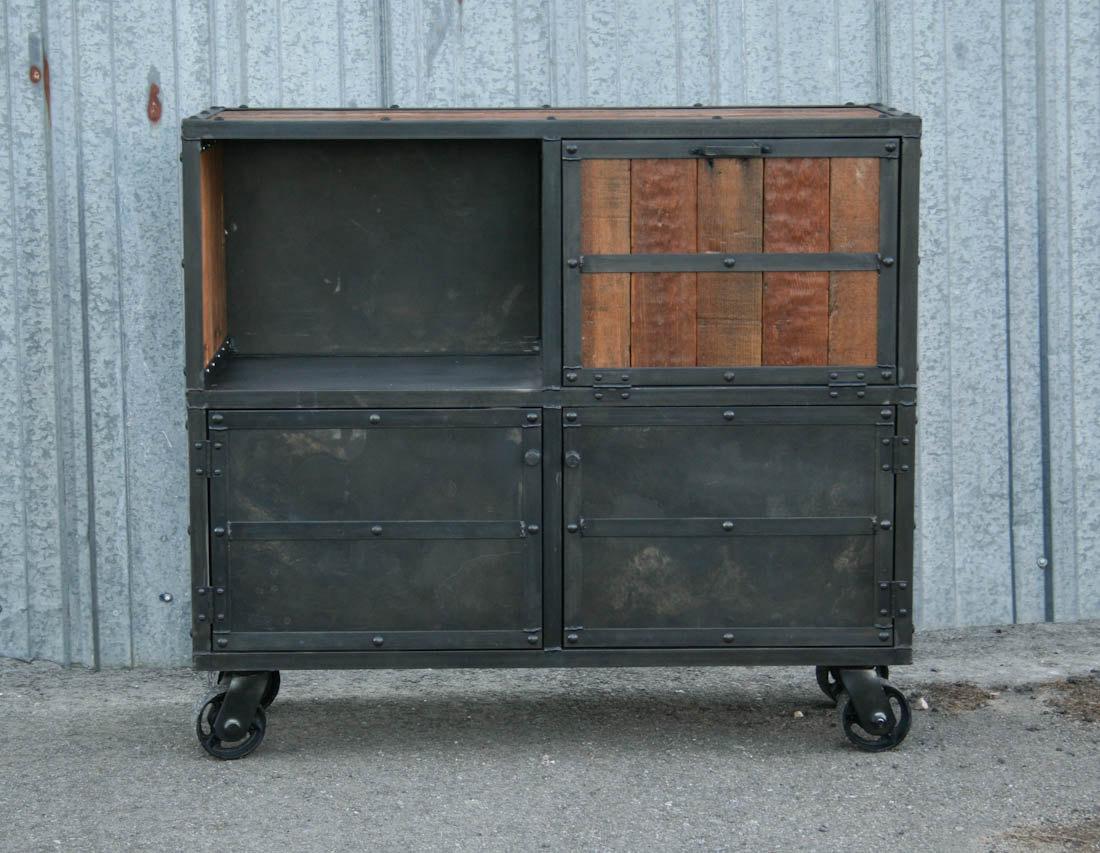 Industrial Furniture – Industrial Bar Cart