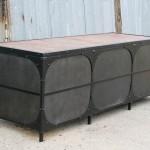 steel desModern steel desk with return