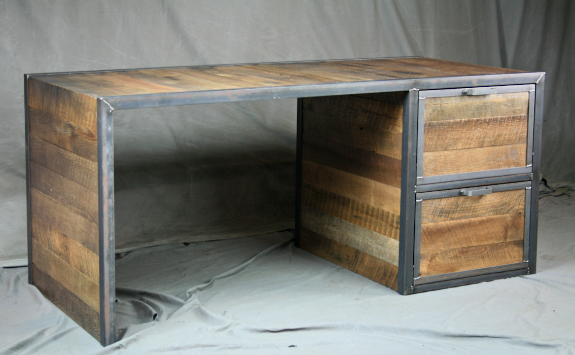 Beau Vintage Industrial Office Desk With Reclaimed Wood